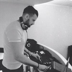 Sexy Soulful & Deep House mix by DSHunt exclusively for DM Radio - 2nd September 2015