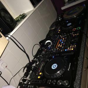 DJ Esselbee - Makina/Monta/Afterdark mix on VINYL and CDJs - 2015