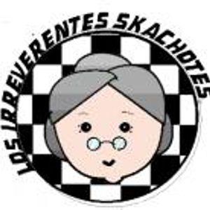 iztapalabra entrevista a Los irreverentes Skachotes el día 10 06 2011 por Radio Faro 90.1 FM!
