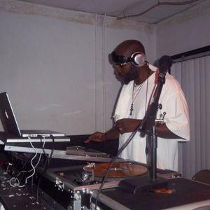 WIZ MIX 97.9 11-12-2011