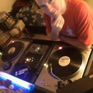DJ Robballz - VL THROWDOWN (DJ RavePsycho Edited Version)