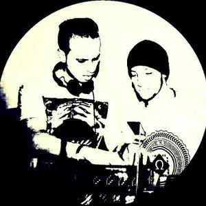 tan & robbi radio show 01 @ deep vibes radio uk