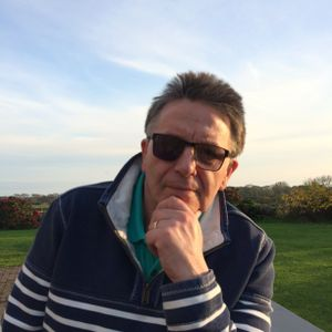 Paul Presents: Welford Park Snowdrops with Deborah Puxley