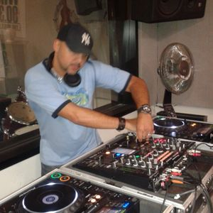 House in Harlem with Steven Mestre in the mix on whcr 90.3fm, the voice of Harlem
