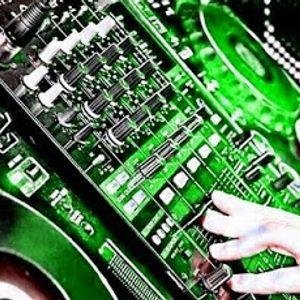 DJ VICTOR (Vocal House)