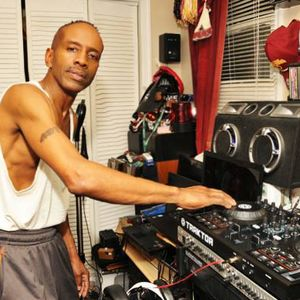 ROB GRIFFIN RELAX -U-DONT PLAY UST LISTEN  UR DEDICATION TO THE DJ WORLD