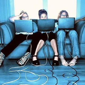 Digitālā komunikācija - jauna jēga savstarpējai saziņai vai troksnis, kas atsvešina
