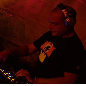 Andrea Roberto pres. Deep In My House Radioshow (4th Week Jun 2013)