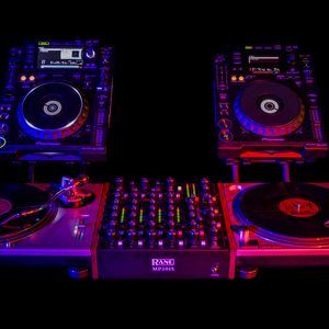HOUSE MUSIC OLD TRACK AND NEW TRACK BY CARMINE DJ