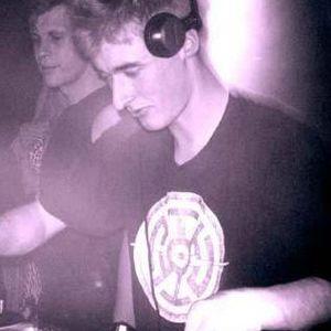 baze.djunkiii live set Pt.2 @ Strom. / Waagenbau - Hamburg (09.04.2004)