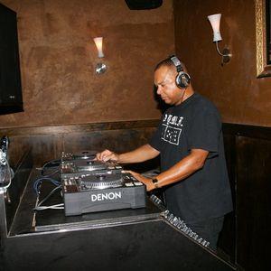 DJ MIKE LABIRT SPINS SOULFUL SOUNDS SOULFUL MIX # 3
