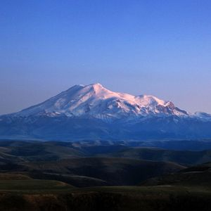 Your grave lies on the foot of Elbrus