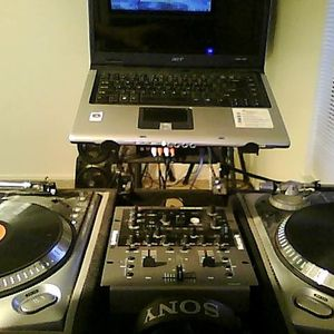 DJ SCRATCH TECH (DJ MIX SET)