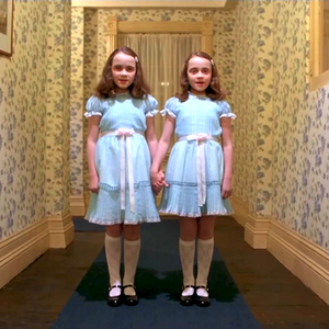 E89: Crónicas y clichés de gemelas idénticas