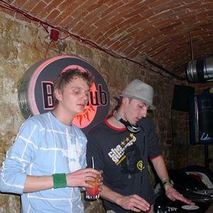 Bertino & Racket live dj show@Be Free Club  2004.mp3