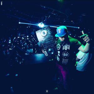 Extracto Miercoles 28 Diciembre ClubSpace Concepcion DJ Trueno In Live 2k16