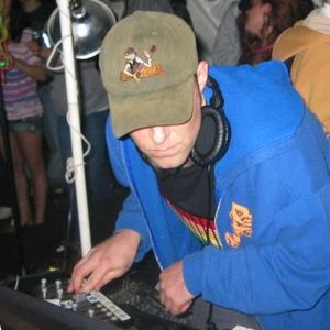 DJ Les - Chickenfest 2010 Mix