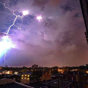Vitia Cyb - Globe Lightning
