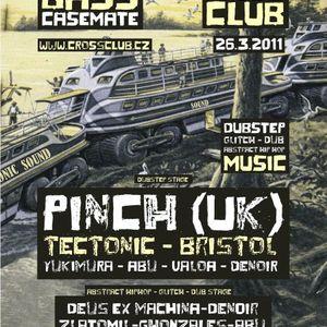 Bass Casemate / Second_Stage / Cross / Praha (26.03.2011)
