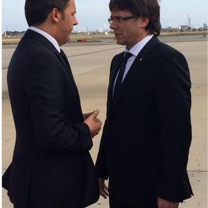 Puigdemont rep Matteo Renzi.