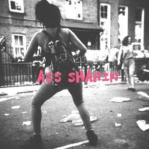 Ass shakin