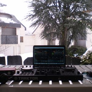 Mix - Its Snowing On My Decks