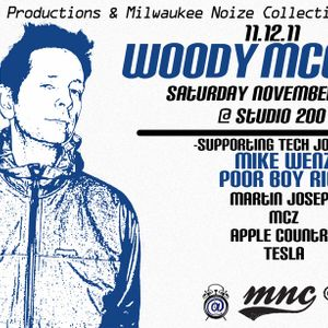 Live at Studio 200 support to Woody McBride (11-12-11)