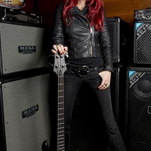 Nadja Peulen bassist of Coal Chamber 2016