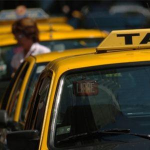 Derechos Torcidos - Los taxis