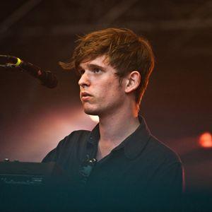 James Blake live cover of 'Anti War Dub' at Maida Vale studios – 11/04/2013