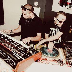Tempo Hit Mix: Italo DJ Mix By No Sleep Richy + Guy Tallo on synths!