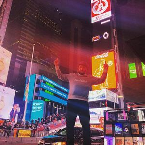 Couple Two T'ree @ Times Square Transmissions 12-09-2018