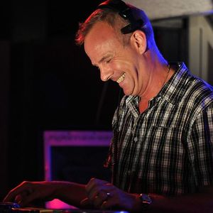09 09 2010 - Fatboy Slim Live On A Night with Annie Nightingale, Maida Vale Studio, BBC Radio 1,UK