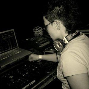 "05.05.2012 DJin-DARANE part1 ""MUSiC iN THE HEAD"" live @ BunkerTV"