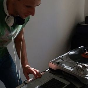 DJ ÁRUÓM-open spirit