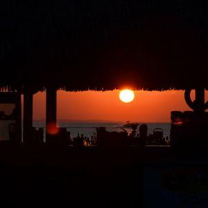 ''Sunset At The beach bar'' mix by Daniel