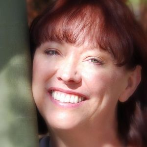 Author Dana Davis