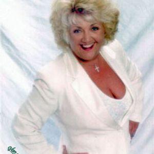 Carole Rees-Jones Sings