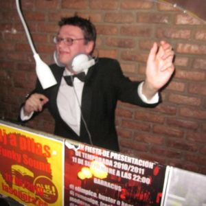 BAILONGO ! tiger teeth DJ session...