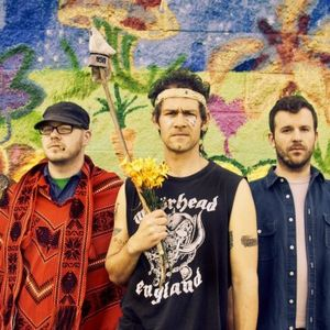 28 - Treasure Fleet with Neil Hennessy (Lawrence Arms) & Isaac Thotz (The Arrivals)