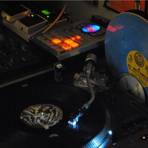 Static Radio = Episode 001