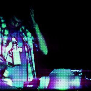 Fusi DJ Fiieeesstaa :P