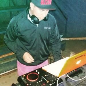DJ TOKAZE DOMINGO DE HUEVITOS