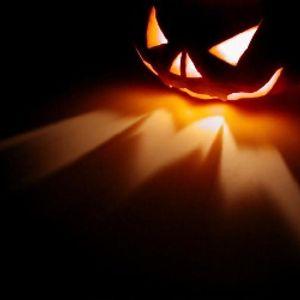 College Halloween Massacre (Martin Jane)
