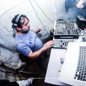 SET EN VIVO--IGUANA DIA DEL AMIGO--DJ LUPPO--TECHNO MUSIC