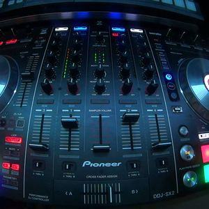 MIX ELECTROCUCIÓN DEMO RADIO 15.50 ([[Dj Robin]] - [[Damian Isla]])