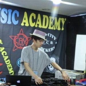DJ RO.2 2012 Mini Hiphop mIX Set (scratch feat RO.2).mp3
