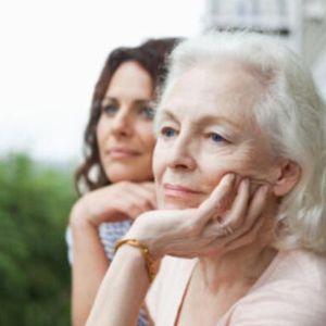 Dzīve vecāku paspārnē pieaugušā vecumā - bēgšana no atbildības?