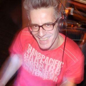 WMC2011 Lobby DJ Set | DJ Rewerb