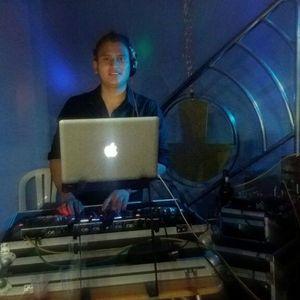 Mix Antesala 2O17 - en vivo (DJCesarAbanto)
